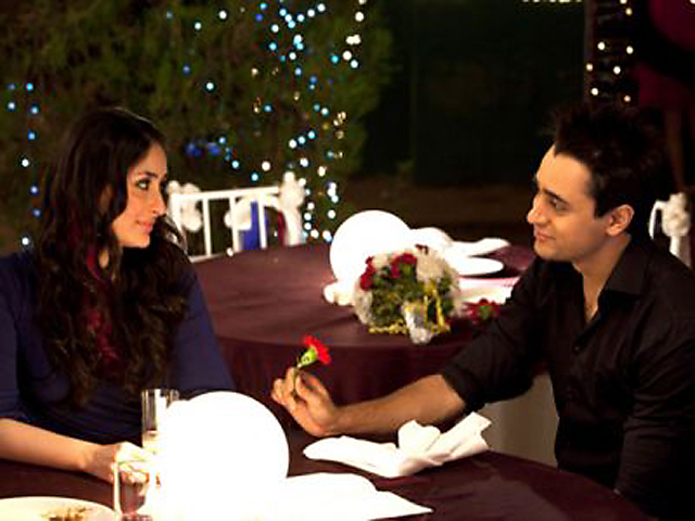 kc9wpy8y8r3tq7oi.D.0.Kareena-Kapoor-and-Imran-Khan-in-Ek-Main-Aur-Ekk-Tu-Film-Pics
