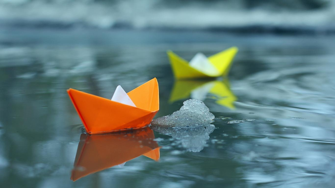 monsoon-8-paper-boats-coupe-date-cute-childhood